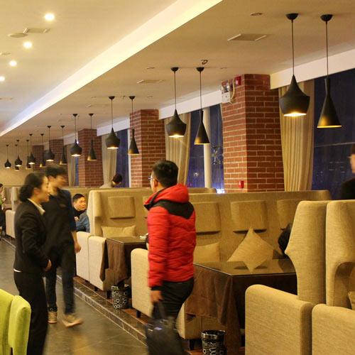 den-trang-tri-quan-cafe-df040-2